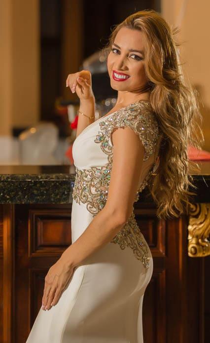 Photoshoot con Lorena reyes en Hotel Gran Chortí, Esquipulas by Edgar Ipiña